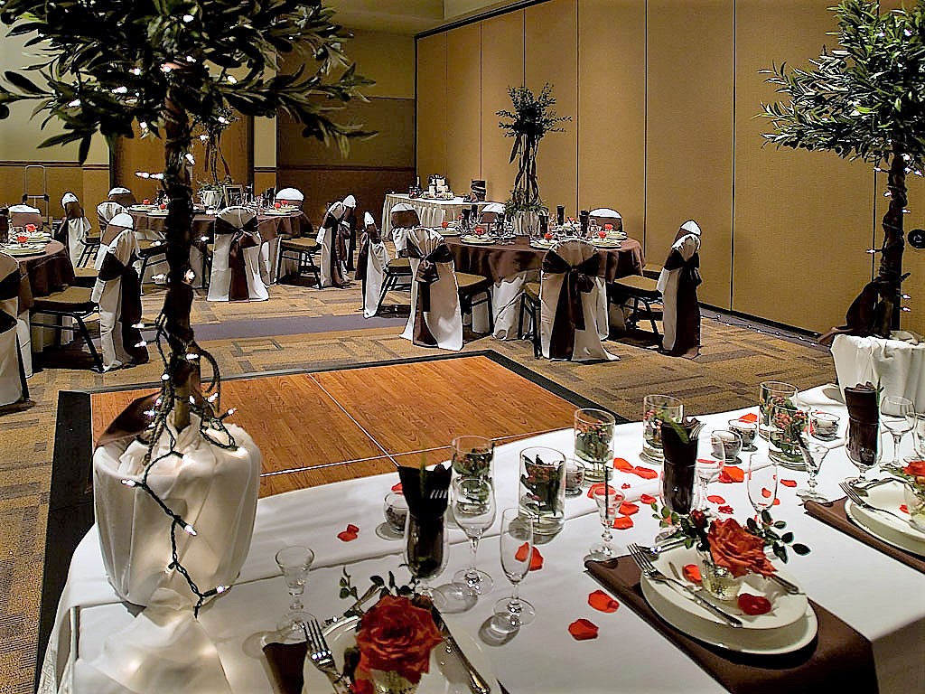High Class Weddings & Events at King's Pointe Resort