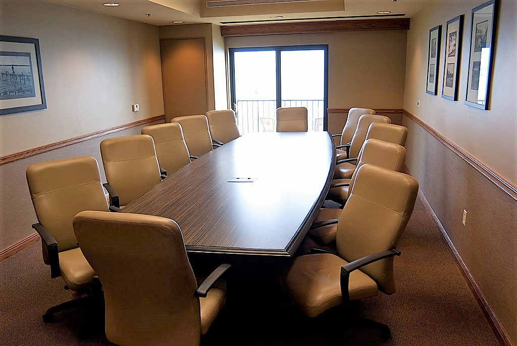 Executive Style Meeting Space at King's Pointe Resort